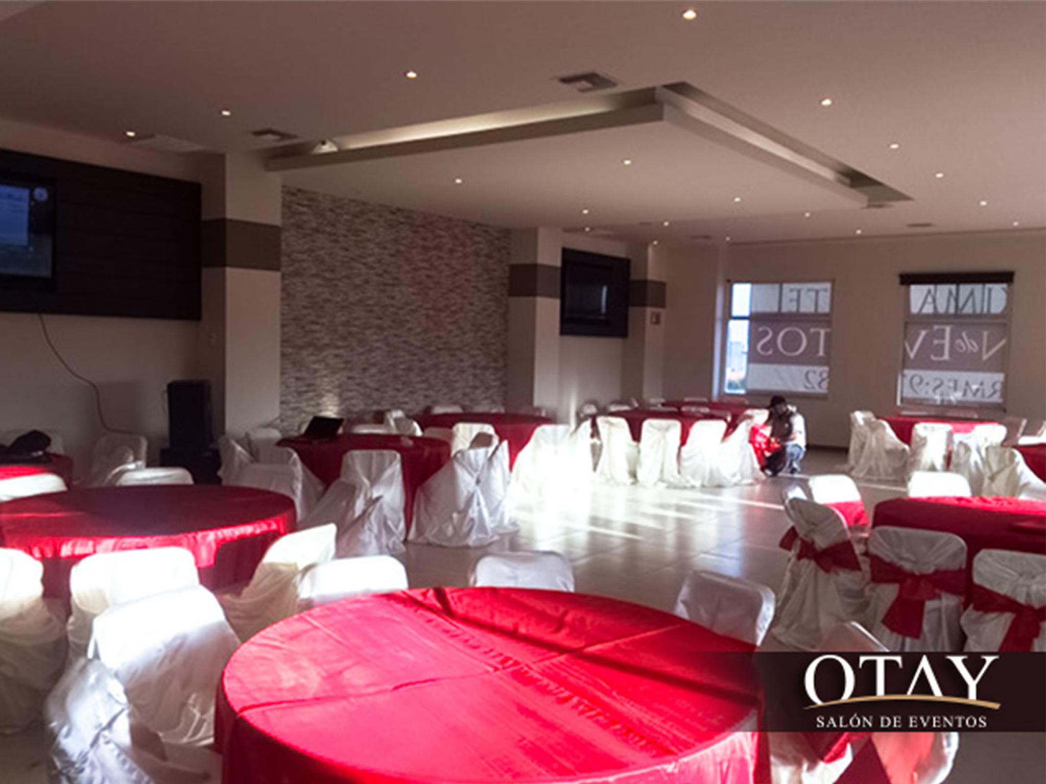 Salon de eventos otay for Acropolis salon de eventos